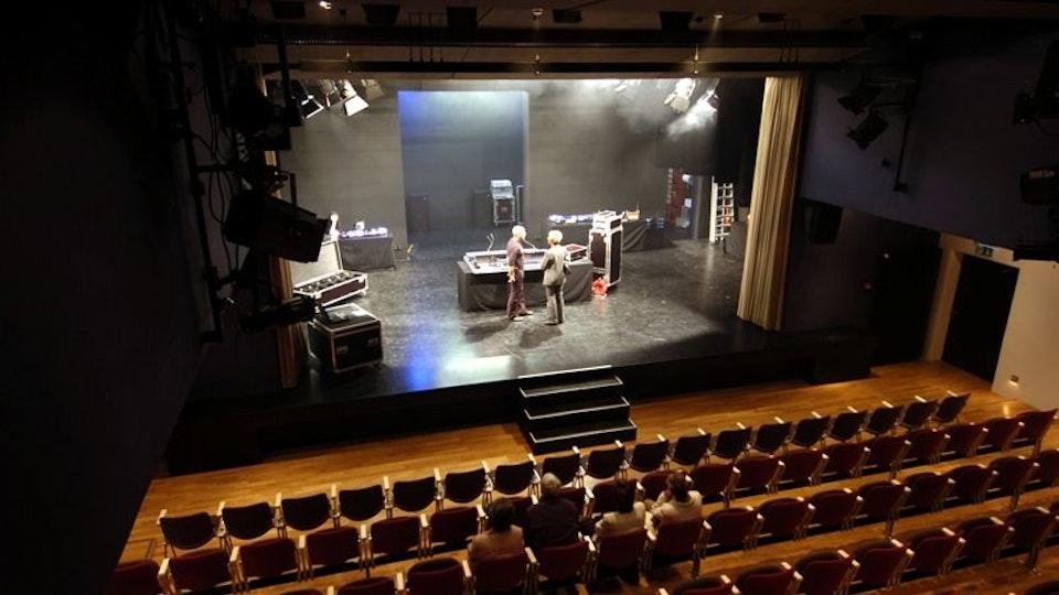 1Tak Bühne 2